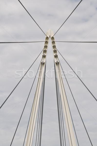 Zdjęcia stock: Kładka · kabel · zawieszenie · wieża · mętny · niebo