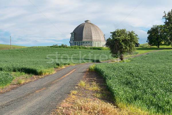 Round barn Stock photo © disorderly