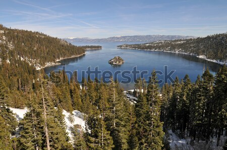 Zümrüt ada güney göl kış dağlar Stok fotoğraf © disorderly