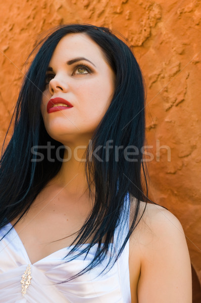 Fekete haj gyönyörű fiatal fekete nő fehér ruha Stock fotó © disorderly