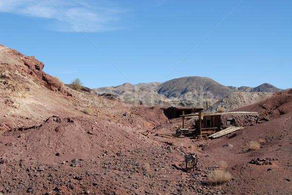 Cabaña California ciudad muerta casa desierto colinas Foto stock © disorderly