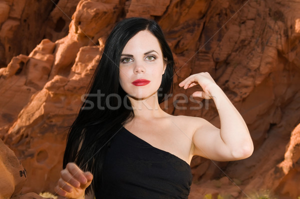 Pelo negro hermosa jóvenes negro mujer rojo Foto stock © disorderly