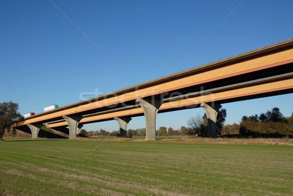 Eyaletler arası karayolu nehir alan köprü taşıma Stok fotoğraf © disorderly