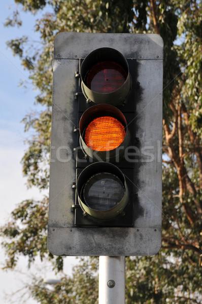 Jelzőlámpa pólus citromsárga narancs forgalom biztonság Stock fotó © disorderly