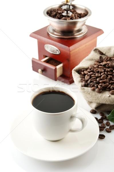Stockfoto: Beker · koffie · vol · koffiebonen · witte · koffiekopje