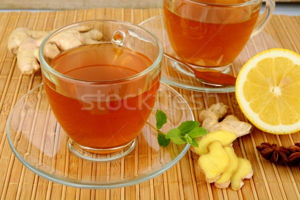 Foto stock: Jengibre · limón · menta · madera · mesa