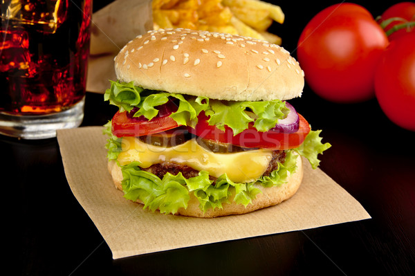 burger menu cola bois bureau noir photo stock. Black Bedroom Furniture Sets. Home Design Ideas