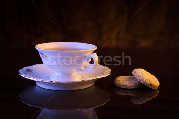Image tasse thé cookies noir Photo stock © dla4