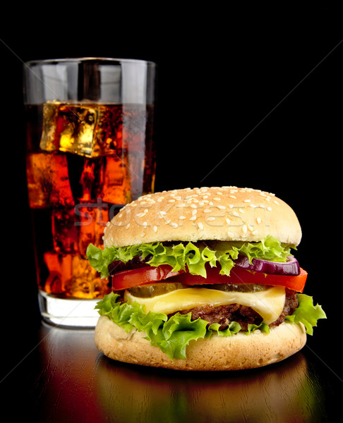 Grand cheeseburger verre Cola noir table en bois Photo stock © dla4