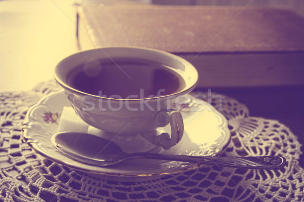 Tasse Tee Buch Serviette Jahrgang Wirkung Stock foto © dla4