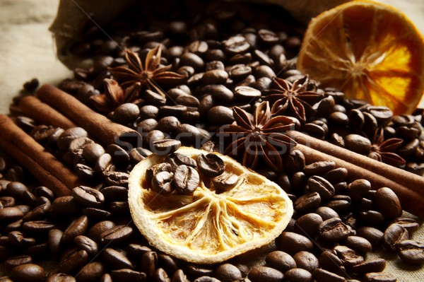 Zak vol koffie sinaasappelen zwarte zak Stockfoto © dla4