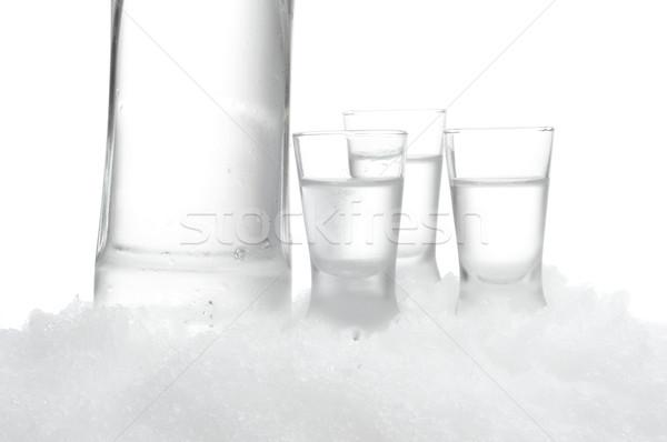şişe votka gözlük ayakta buz beyaz Stok fotoğraf © dla4