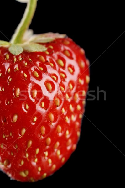 strawberry black singles There are 6 calories in 1 large strawberry get full nutrition facts and other common serving sizes of strawberries including 1 small and 1 medium.