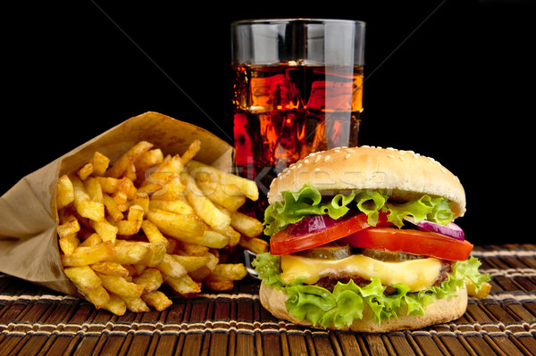 Sajtburger sültkrumpli üveg kóla fából készült fekete Stock fotó © dla4