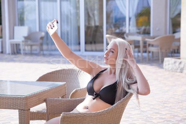 Lány képek magad telefon szép üzlet Stock fotó © dmitriisimakov