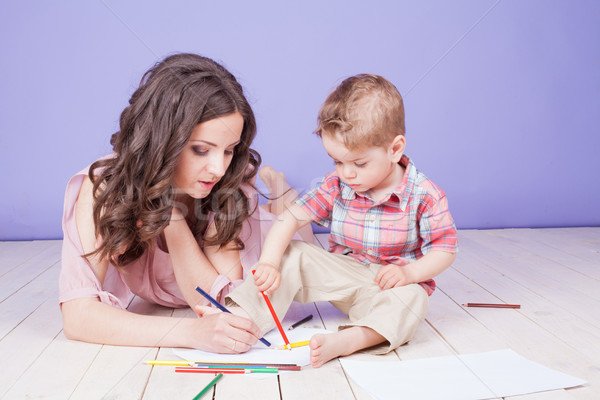 Anya fiatal fiú játék festék zsírkréták Stock fotó © dmitriisimakov