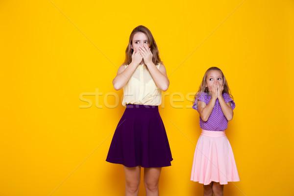 Foto d'archivio: Due · ragazze · bocca · silenzio