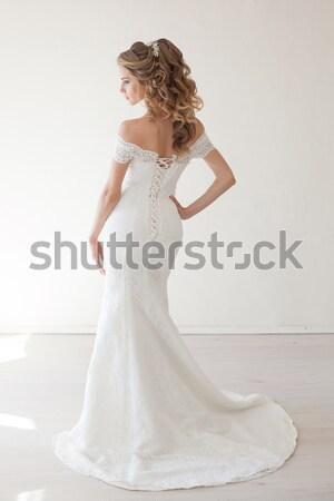 Stockfoto: Mooi · meisje · lingerie · vergadering · witte · bank · bruiloft