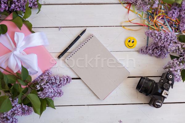 Beyaz tablo hediye defter kamera Stok fotoğraf © dmitriisimakov