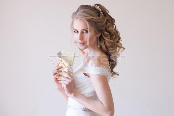 花嫁 ウェディングドレス チョコレート 手 女性 ストックフォト © dmitriisimakov