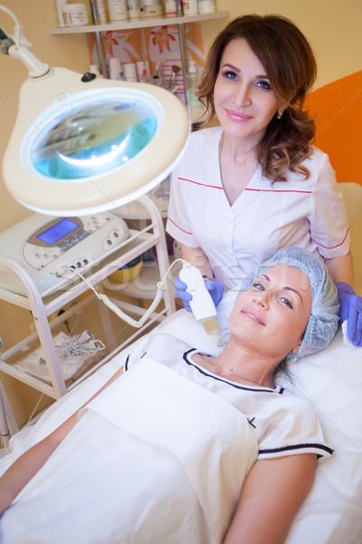 Doktor kadın yüzü spa kadın hasta Stok fotoğraf © dmitriisimakov