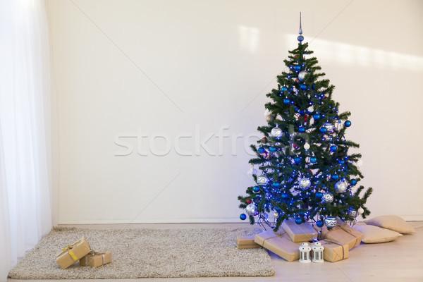 árbol de navidad Navidad día blanco habitación regalos Foto stock © dmitriisimakov