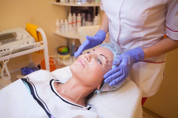 Doktor masaj kız spa gülümseme yüz Stok fotoğraf © dmitriisimakov