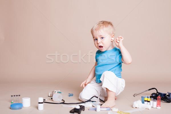 Menino jogar médico hospital médico medicina Foto stock © dmitriisimakov