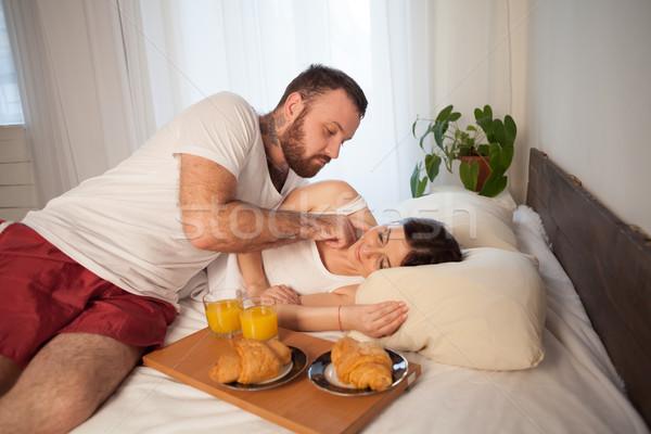 Adam kadın sabah kahvaltı yatak sevmek Stok fotoğraf © dmitriisimakov