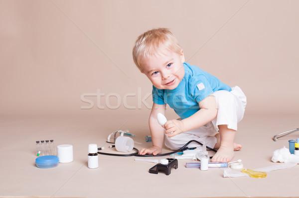 Erkek oynama doktor hastane mutlu tıbbi Stok fotoğraf © dmitriisimakov