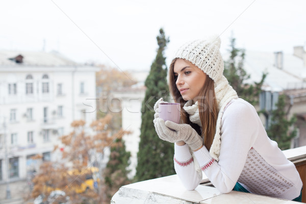 Meisje straat koud dranken koffie thee Stockfoto © dmitriisimakov
