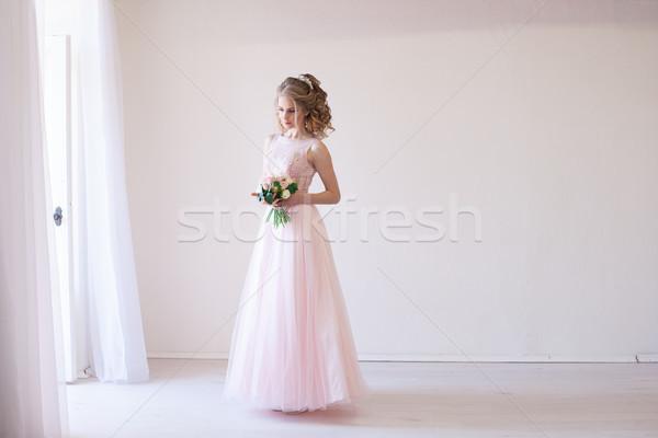 Tenro noiva branco quarto casamento rosa Foto stock © dmitriisimakov
