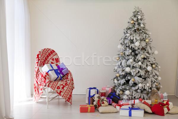 Apartamento decoración año nuevo árbol de navidad regalos casa Foto stock © dmitriisimakov