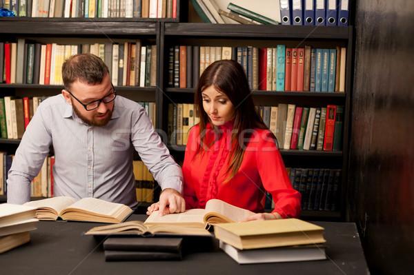 Férfi nő könyvtár előkészített vizsga olvas Stock fotó © dmitriisimakov