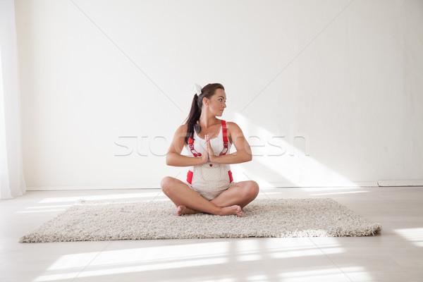 Mulher grávida comprometido ginástica ioga natureza criança Foto stock © dmitriisimakov