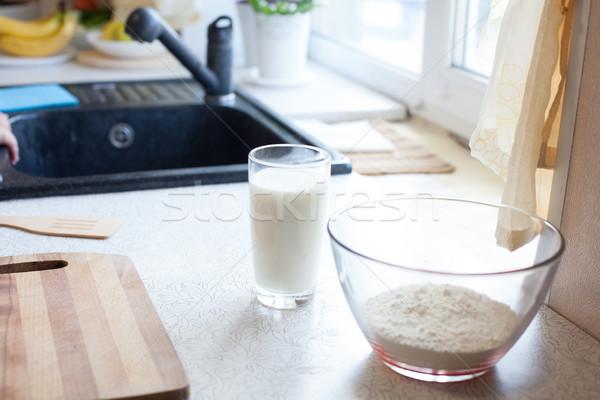 Konyhaasztal tej tojások liszt termékek étel Stock fotó © dmitriisimakov