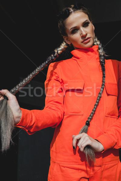 Nő színes fonatok dolgozik ruházat kezek Stock fotó © dmitriisimakov