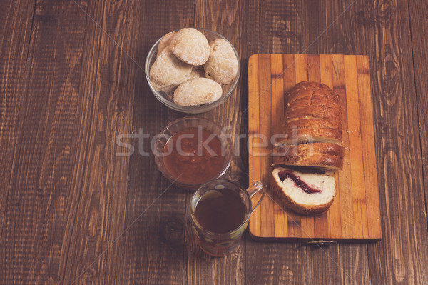 Té pan atasco taza de té mesa de madera madera Foto stock © dmitroza