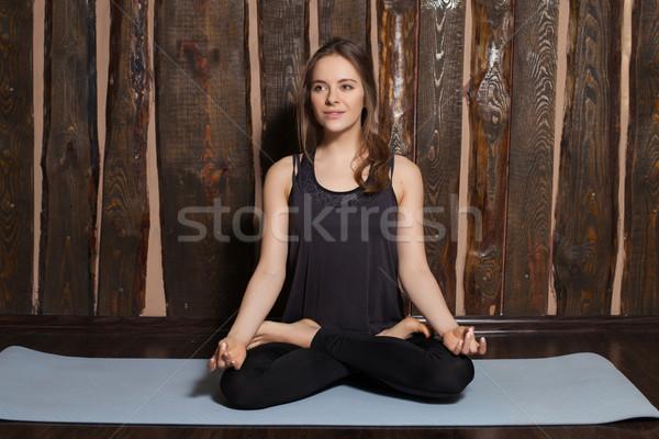 Vrouw yoga mooie vrouw sport schoonheid Stockfoto © dmitroza