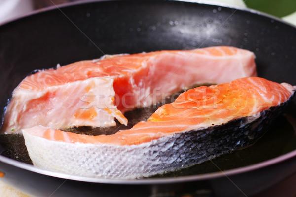 Fresco fatia salmão frigideira comida Óleo Foto stock © dmitroza