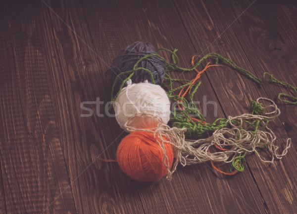 Tabeli wątku inny kolory włókienniczych Zdjęcia stock © dmitroza