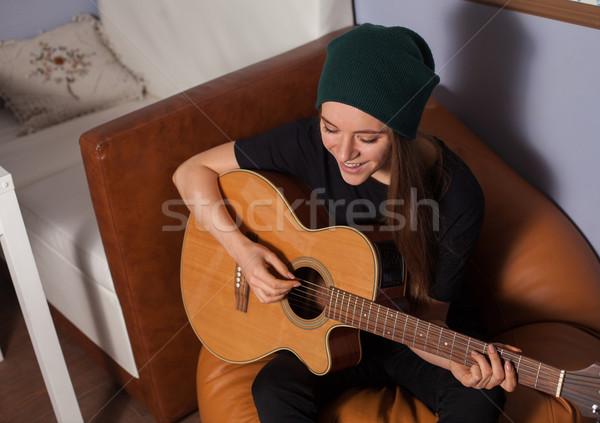 Stock fotó: Nő · játszik · gitár · hipszter · énekel · zene