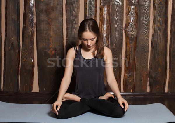 Concentratie vrouw mooie vrouw ademhaling Stockfoto © dmitroza