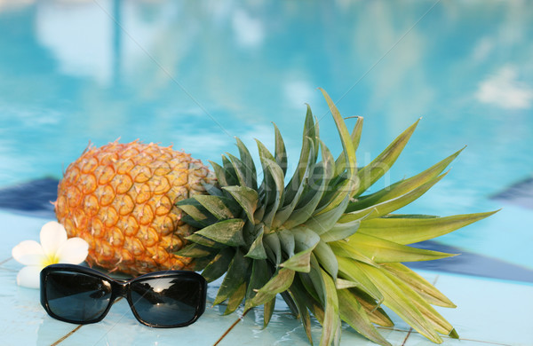 ананаса солнце очки бассейна фотография свежие Сток-фото © dmitroza