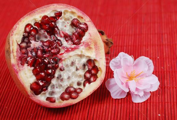 Dilim nar tatlı çiçek kırmızı gıda Stok fotoğraf © dmitroza