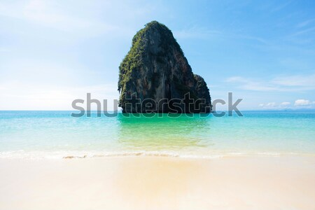 Rock water landschap klein oceaan blauwe hemel Stockfoto © dmitroza