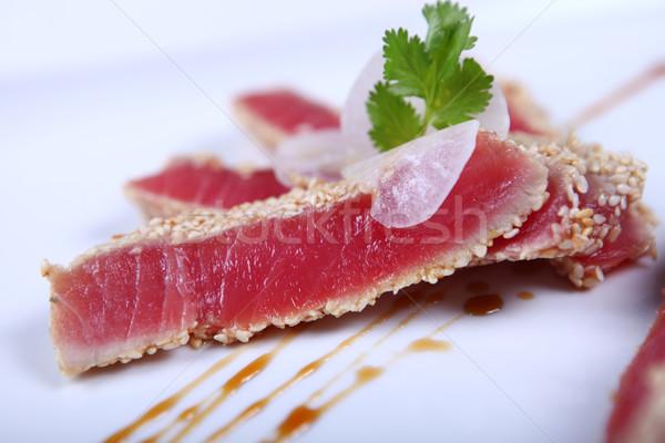 Fresco atum carne branco prato Foto stock © dmitroza