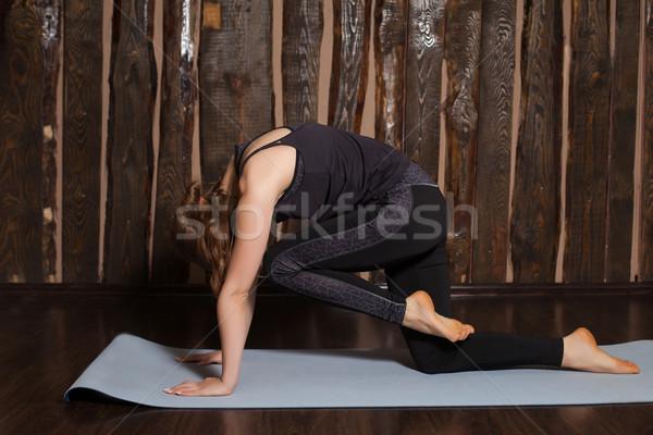 Pose mulher jovem beleza exercer ioga Foto stock © dmitroza
