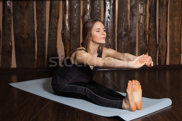 Mulher para a frente pose beleza ioga esportes Foto stock © dmitroza