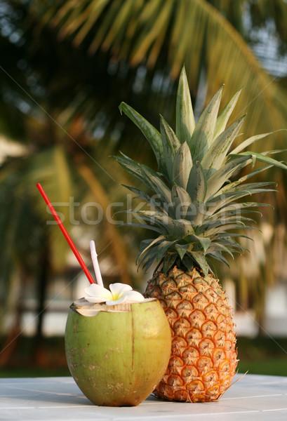 Kokosnoot ananas vers drinken tabel vruchten Stockfoto © dmitroza